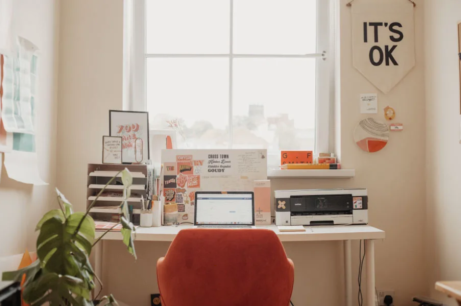 8 Creatives On How They Desk Anywhere